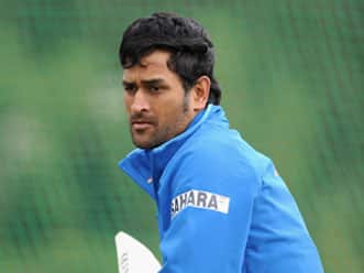 Dhoni worried at the growing list of injured players