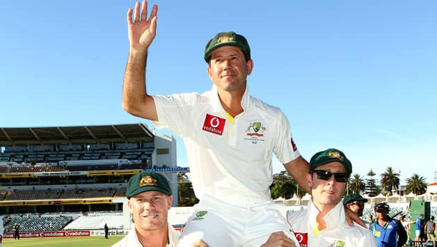Australia vs South Africa: Ricky Ponting gets lap of honour by teammates in farewell Test