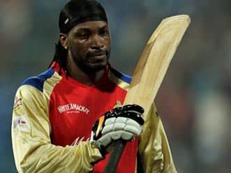 Chris Gayle first to hit 100 sixes in IPL
