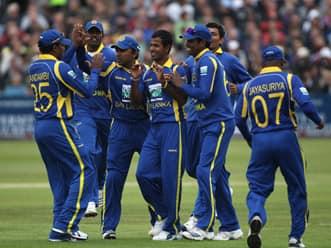 Sri Lanka restrict England to 136