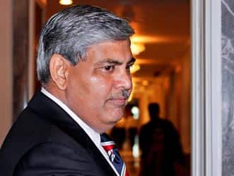 Shashank Manohar appears before ED