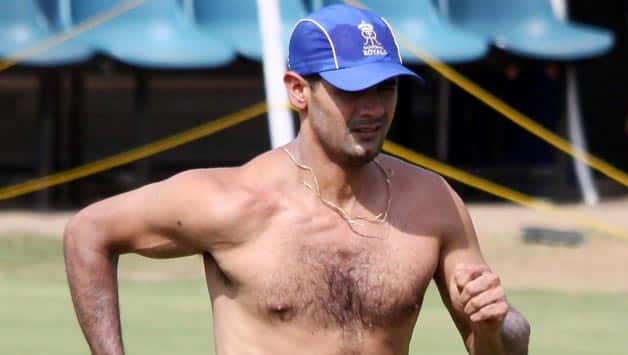 IPL 2013: Rajasthan Royals players engage in pool volleyball