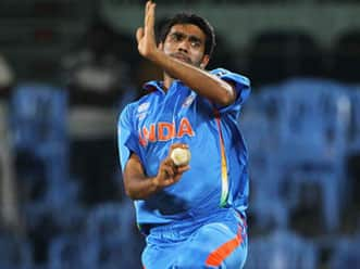 Indian seamers lack confidence: Manjrekar
