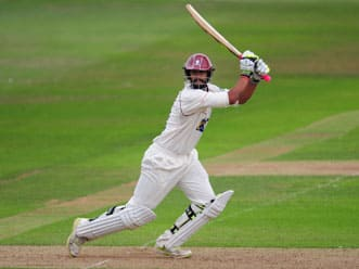 Suppiah century propels Somerset to 329