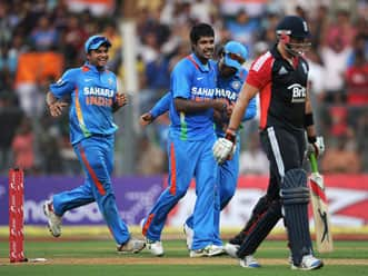 Varun Aaron makes an impact on debut against England