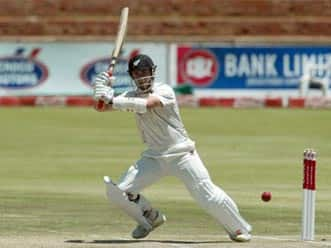 Williamson-Taylor partnership extends New Zealand lead beyond 200 on day four