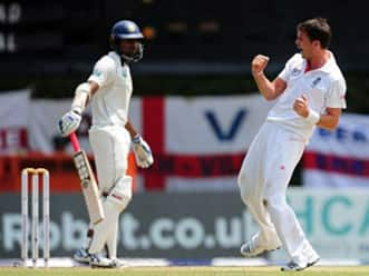 James Anderson pierces through Sri Lankan top order