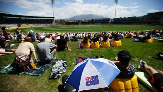 Australia vs Sri Lanka 2012-13: Beach at cricket dress-up winners