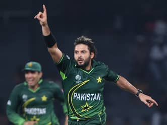 Afridi quells Canada's challenge with another five-for