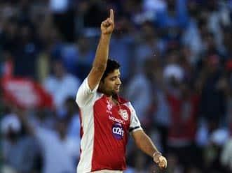 IPL 2012: Adam Gilchrist defends Piyush Chawla after defeat to Mumbai