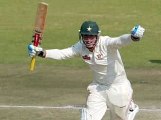 Taylor's ton puts Zimbabwe in winning position