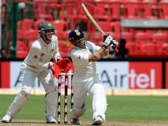 Cricketing world needs to see Sachin Tendulkar come out all guns blazing
