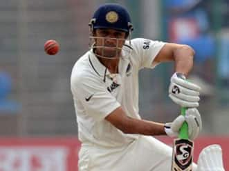 Tendulkar, Dravid put India on course for victory