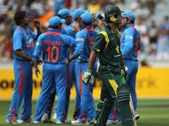 Live Cricket Score India vs Australia, 1st ODI at MCG: Bowlers put India on top