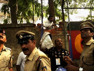 IPL 2012: Bangalore police arrest two for betting