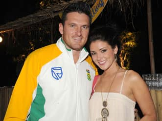 Graeme Smith ties knot with girlfriend Morgan Deane