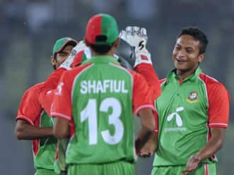 Pakistan limp to 135 for seven against Bangladesh