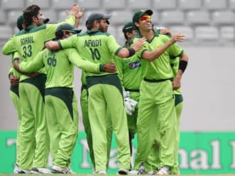 Shehzad, Misbah shape up impressive Pakistan win