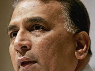 Dhoni needs to focus on both batting and keeping: Gavaskar