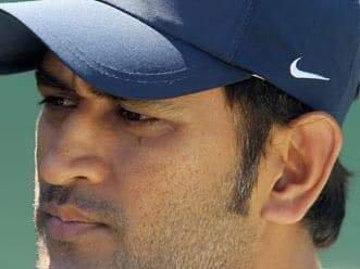 MS Dhoni speaks to the media at the end of the third test at Perth