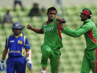 Bangladesh restrict Sri Lanka to 232 in Asia Cup 2012 tie