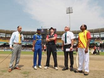 Unchanged England bat against Sri Lanka