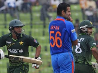 Pakistan urges India to play home series