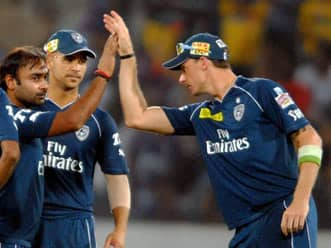 Inspired Deccan Chargers keep Rajasthan Royals to 126