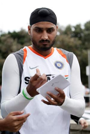 Harbhajan confident of Tendulkar hitting 100th ton in first Test