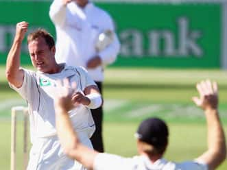 Kane Williamson keeps New Zealand's hopes alive as South Africa dominate on day two