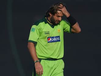 Former players call Afridi's retirement immature