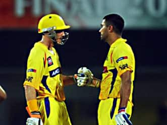 Vijay, Hussey hundred stand takes Chennai to 205