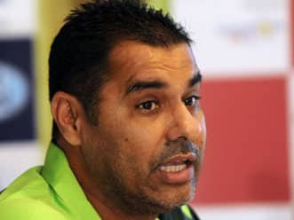 Is Waqar Younis a candidate to fill in the vacancy of Australian bowling coach?