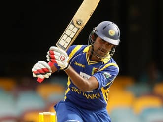 Thirimanne, Dilshan power Sri Lanka to strong total against India in CB Series