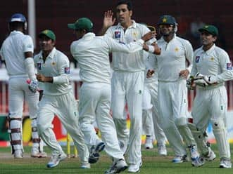 Sri Lanka steady after losing early wicket