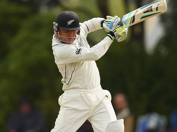New Zealand fight for survival against England on Day 3 at Lunch
