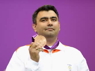 Gagan Narang congratulated by Dhoni, Yuvraj for winning bronze at London Olympics