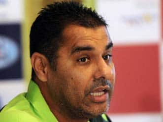 Waqar declines to comment on Afridi controversy