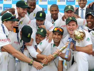 South Africa face daunting task to prolong their stay at the No 1 spot