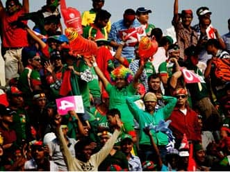 Angry Bangladeshi fans attack West Indies players
