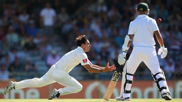 Australia vs South Africa, 3rd Test, Day Two – Alviro Petersen wicket