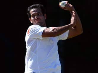 Irfan Pathan stakes strong claim to take injured Praveen's place in Indian team