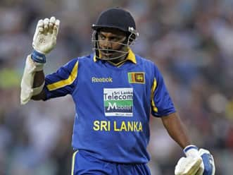 Crowds throng to see Sanath Jayasuriya
