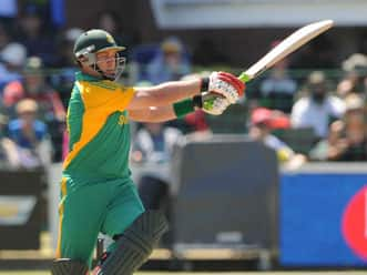 South Africa crush Australia by 80 runs to level series