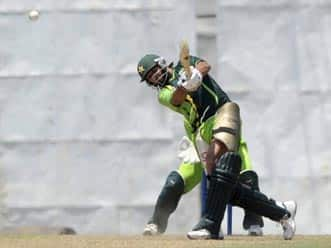 PCB showcauses Afridi; suspends contract