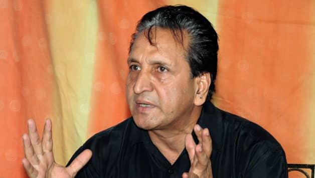 Abdul Qadir receives show-cause from PCB