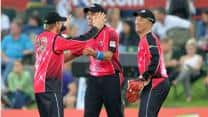 CLT20 2012: Sydney Sixers pull off thrilling victory against Nashua Titans, enter final