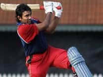 Ranji Trophy 2012: Robin Uthappa, KB Pawan lead Karnataka's reply against Baroda
