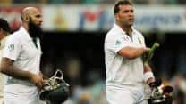 Hashim Amla, Jacques Kallis put South Africa on top on Day One
