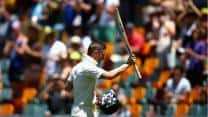 Clarke, Hussey dominate as Australia declare for 565